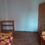 Postele a skříň ve druhé ložnici - varianta čtyřlůžkový pokoj