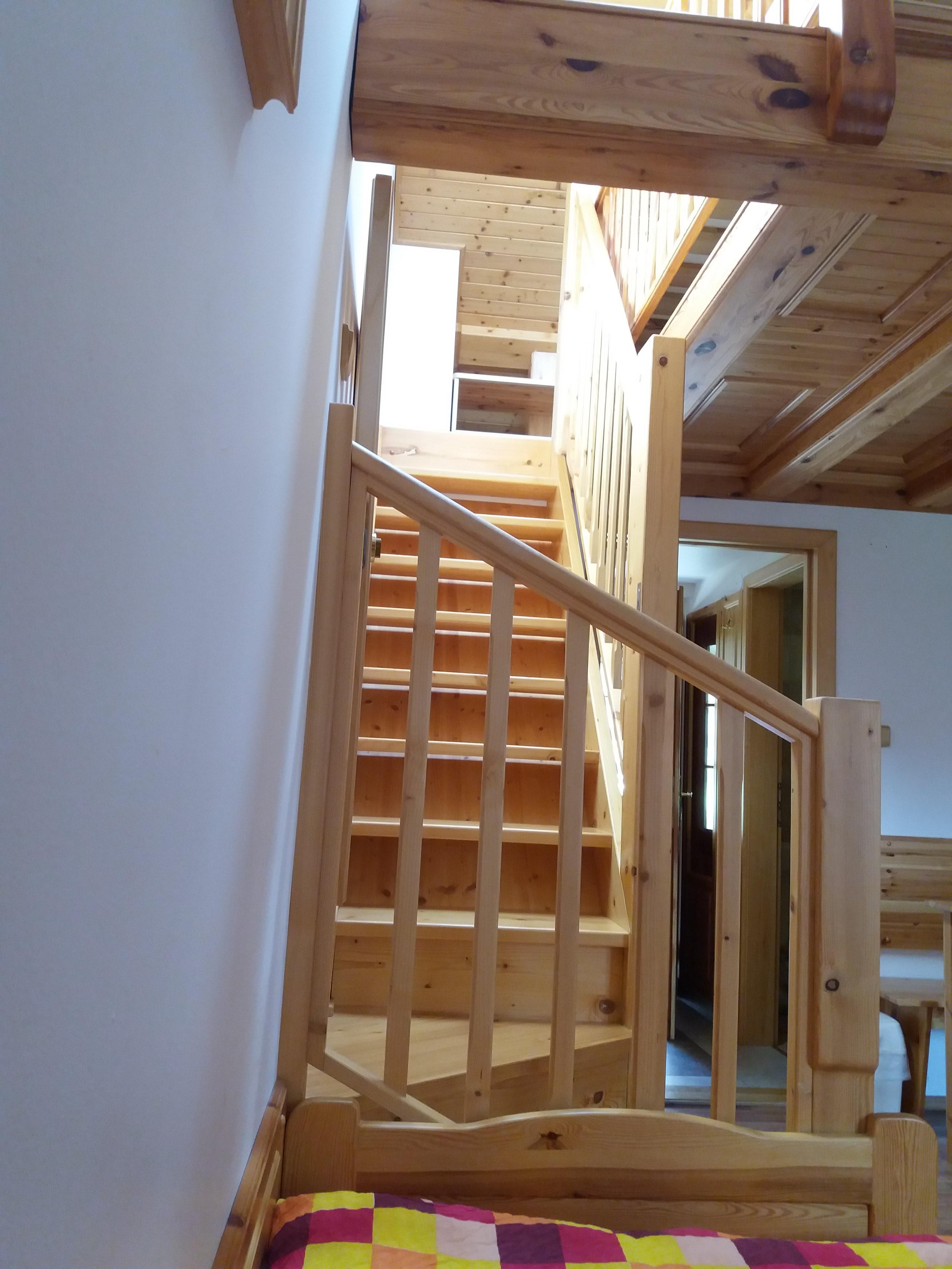 Schody do podkroví pro variantu vícelůžkového pokoje
